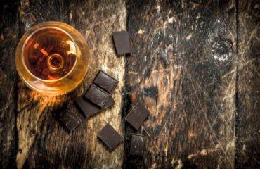 Abbinare grappe e cioccolato